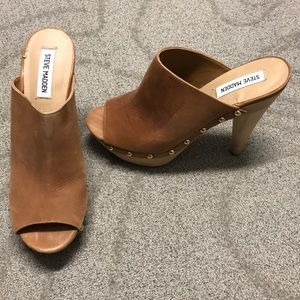Steve Madden leather clogs